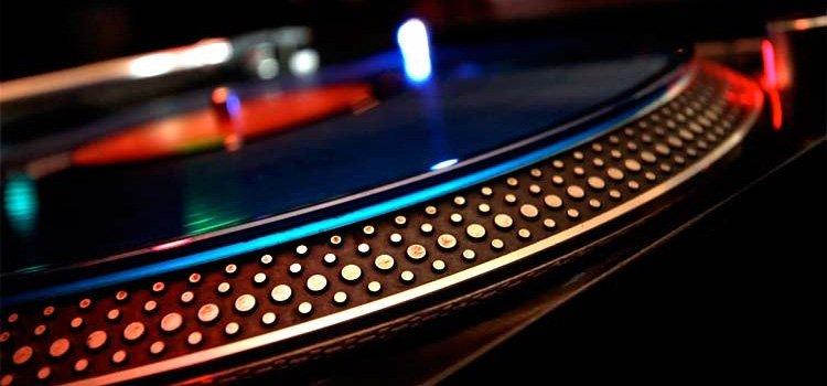 technics-1200-gira