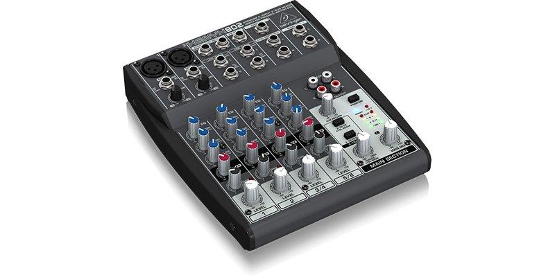 Behringer-Xenyx-802-mixer