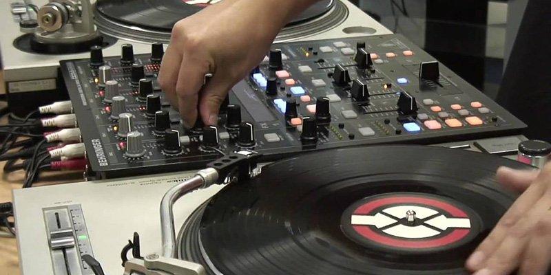 behringer-ddm4000-mixer-per-dj