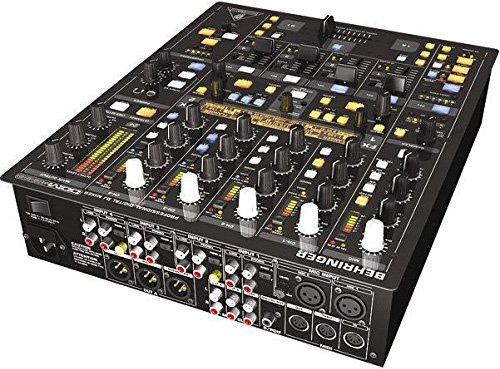 mixer-Behringer-DDM-4000