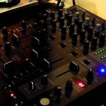 Recensione al Behringer DJX750: Guida all'acquisto di questo Mixer di fascia media