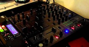 mixer-behringer-djx750