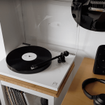 Rega Planar 1: Un Entry Level Minimalista per Audiofili Esigenti | Recensione